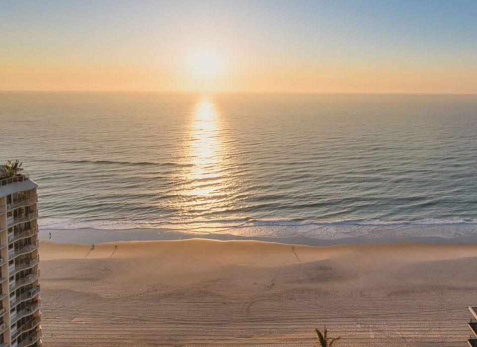 holiday accommodation gold coast main beach Xanadu special offers early bird