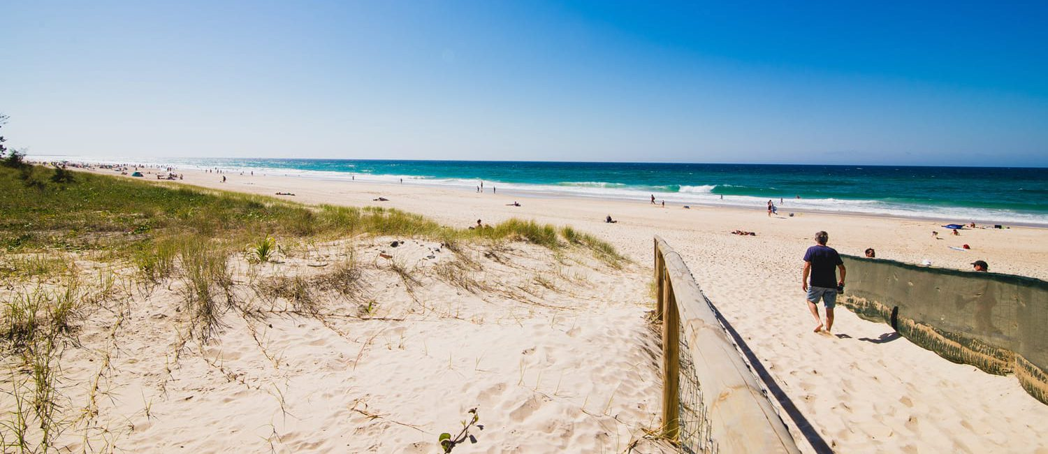 holiday accommodation gold coast main beach entry