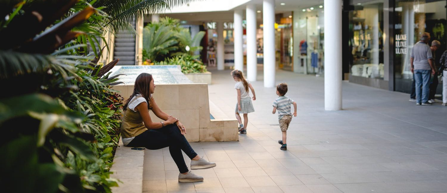 holiday accommodation gold coast main beach shopping family